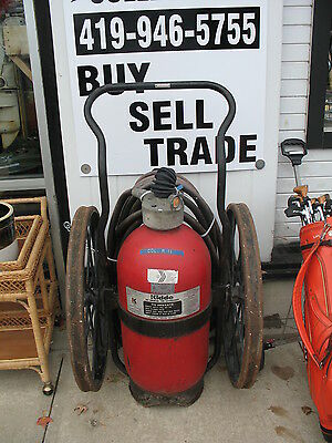 vintage 1964 Kidde model 200 Fire Extinguisher
