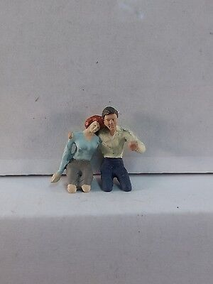 Arttista Lovers   Couple Driving    1338   O Scale On30 On3 Figures People   New