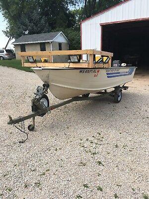 starcraft fishing boat W/ removable bowfishing deck