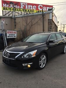 2013 Nissan Altima 3.5 SL|Leather|Rear Cam|Heat seats|No acciden