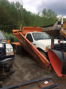 2004 Ford F-550 -
