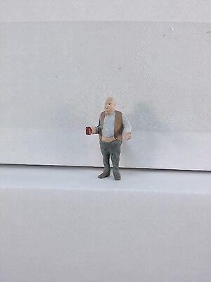 Arttista Sloppy Man Eating w//Bottle #1450 New O Scale On30 On3 Figures