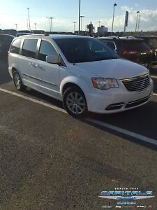 2014 Chrysler Town & Country Touring *ULTRA PROPRE*