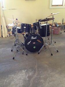 9 piece pearl drum set. Black Bedroom Furniture Sets. Home Design Ideas