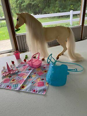 Barbie 1995 Nibbles Horse Playset 14879 Picnic Set Basket Hay Saddle Bridle