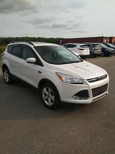 2015 Ford Escape SE EcoBoost AWD LEATHER AND SUNROOF