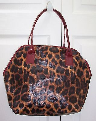 ELIZABETH ARDEN PVC MAKE UP BAG ANIMAL PRINT EXTERIOR FULLY LINED TOTE BAG - Fully Lined Print Tote