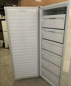 Warranty L390Upright Freezer Fisher&Paykel very good cond