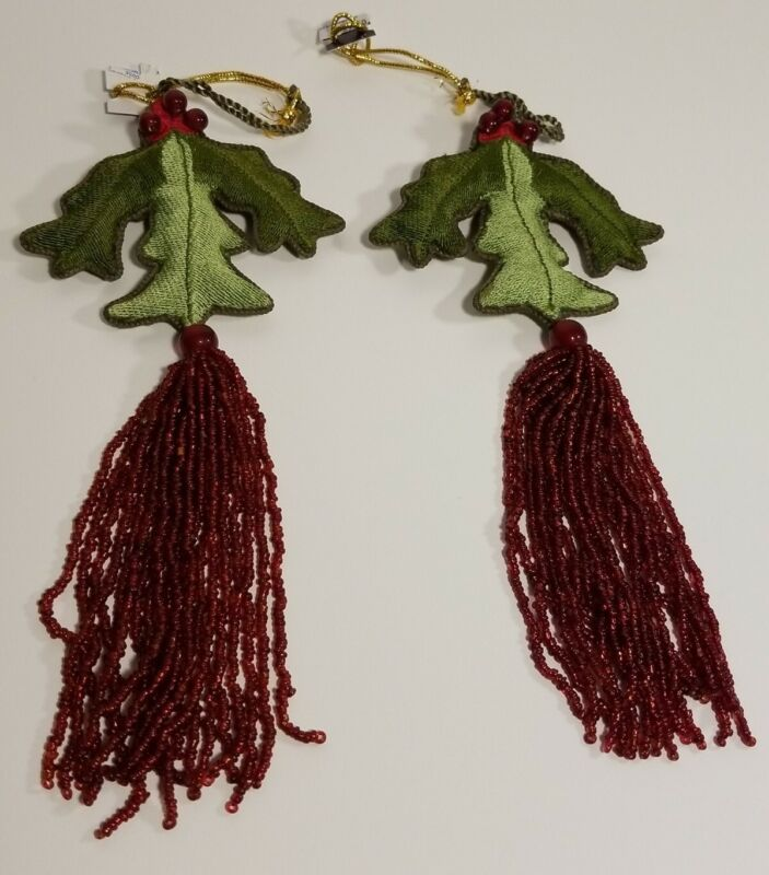 Mistletoe Holly Christmas Hanging Ornament Tree Decoration