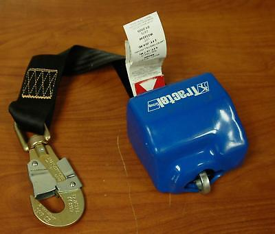 TRACTEL GROUP SELF RETRACTING LANYARD MODEL RN9Q0 SIZE 9 FT. !!    T171