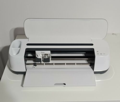 NEW Cricut Maker Electronic Cutting Machine - Champagne