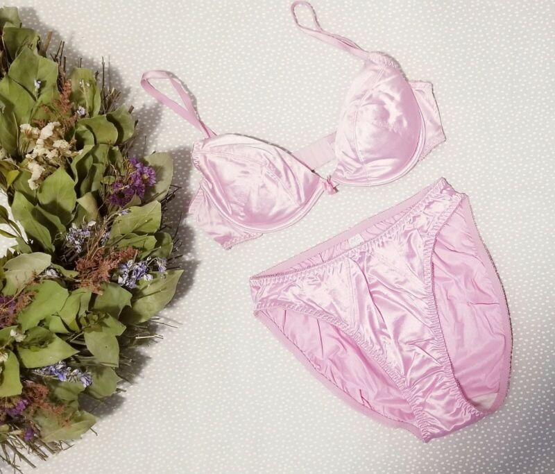 Vintage LILY OF FRANCE Pink Bra and Panty Set Hi Cut Satin Second Skin 1 NEW Lar