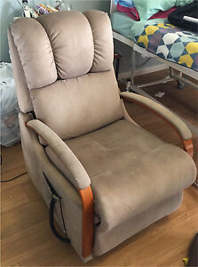 Electric recliner armchair chair Onkaparinga Hills Morphett Vale Area Preview