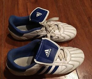 Youth Adidas soccer cleats - size 5