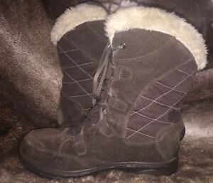 Woman's Columbia Winter Boots, size.8