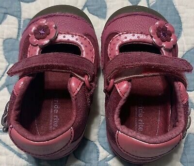 Stride Rite Baby Girl Shoes Size 3 In Excellent Condition