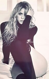 SHAKIRA SINGER SEXY SMOULDERING A4 POSTER PICTURE PRINT A4 WALL ART