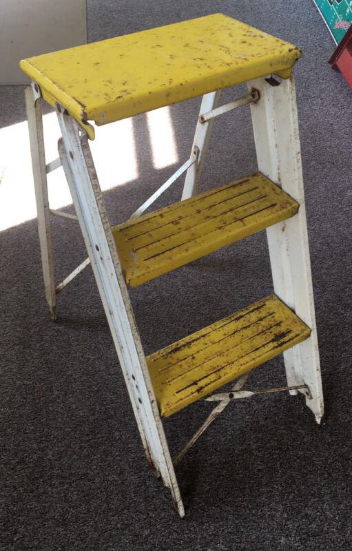 VINTAGE METAL 2 STEP FOLDING STEP STOOL LADDER Rustic Yellow white paint