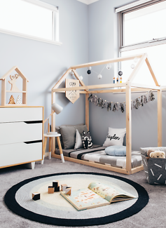 House Shaped Bed / House Bed / Toddler / Cubby Bed / Montessori Bed