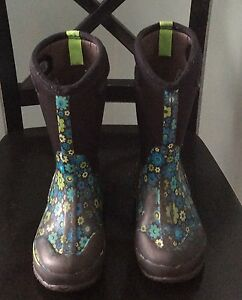 Kids Girls Winter Tall Bogs Boots Size 2 Flowered Cambridge Kitchener Area image 1