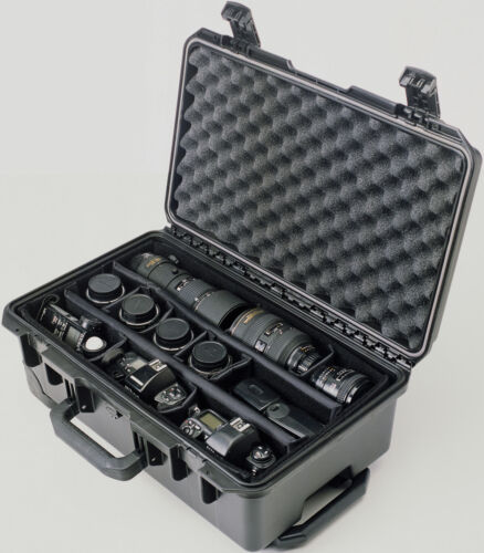 Black Pelican ™ Storm ™im2500SC Case with Padded Divider
