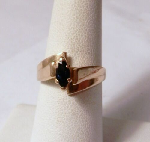 Lovely Blue Sapphire Marquise Solitaire 14K Gold Ring 3.8 Grams Size 7.5