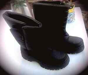 Boy's Snow Boots Size 38 Tanilba Bay Port Stephens Area Preview
