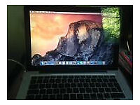 * * * Very good condition MacBook Pro, runs absolutely perfectly + charger, bargain price * * *