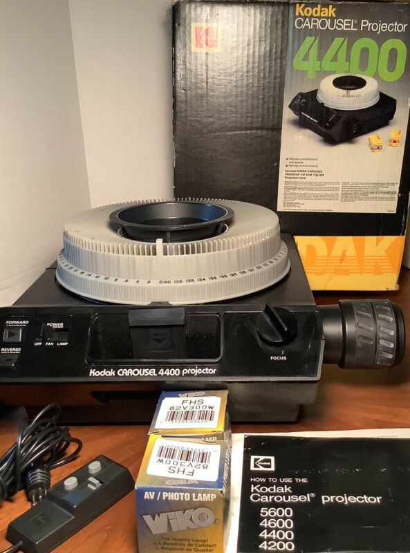 Vintage Kodak 4400 Carousel Slide Projector, Remote With Tray 140, Extra Bulbs!