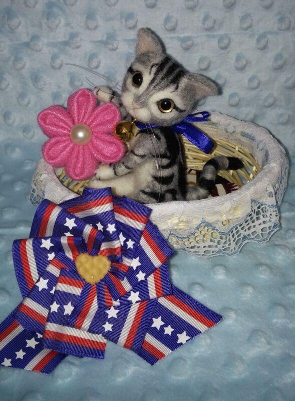 "OOAK Handmade 4.5"" *Grey Kitten Holiday* Needle Felted Neko by Artist Scuznyuki"