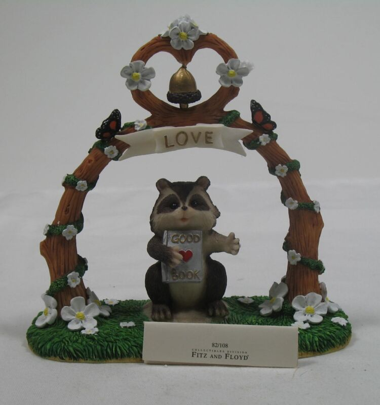 Charming Tales Dean Griff Silvestri The Altar of Love Raccoon Figurine 82108 New