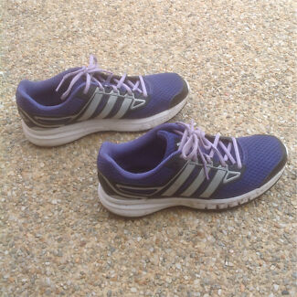 ADIDAS US 10 men's like new PURPLE SILVER BLACK running sneakers Berwick Casey Area Preview
