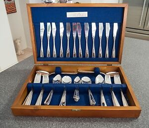 Wiltshire 44pce Silver Plated Cutlery Set Sandstone Point Caboolture Area Preview