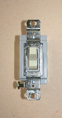 Hubbell 1388 Double Pole Double Throw Switch