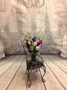 Hand painted wooden Dutch tulips flower arrangement