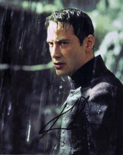 Keanu Reeves Signed 10X8 Photo GENUINE SIGNATURE The Matrix AFTAL COA (7352)