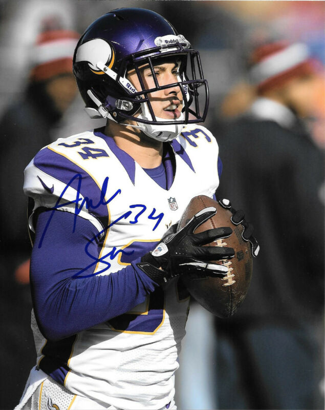 **GFA Minnesota Vikings * ANDREW SENDEJO * Signed 8x10 Photo S5 COA**