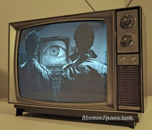 "PHILCO VINTAGE TELEVISION SET 19"" BLACK & WHITE TV 1970s WALNUT WOOD GRAIN 1977"