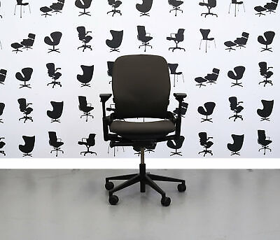 Refurbished Steelcase Leap V2 Chair - Sombrero - Yp046
