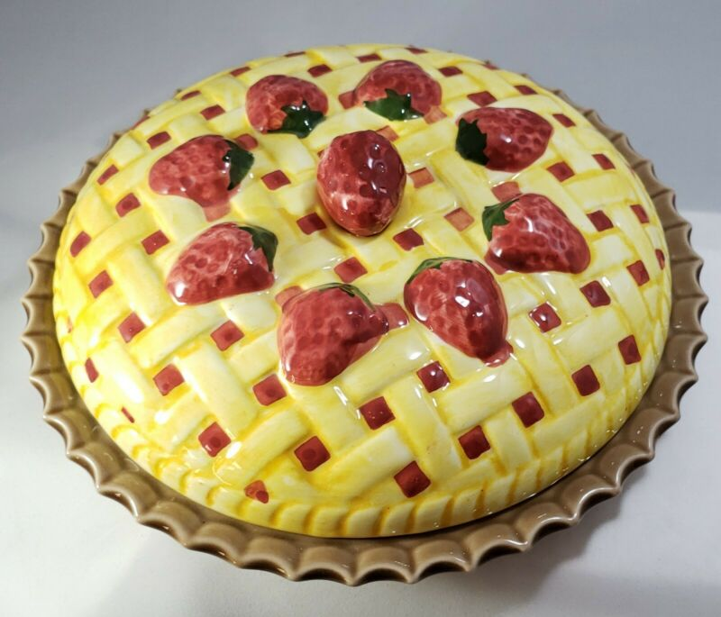 "RARE Unique 9"" Strawberry Pie Ceramic Covered Pie Pan Plate Dish"