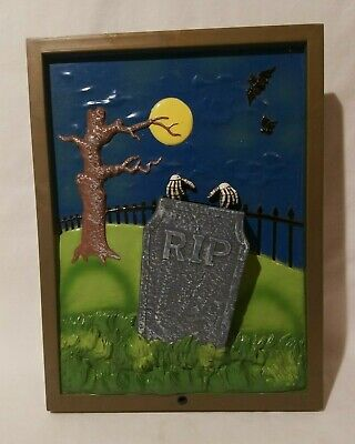 VTG 1998 The Paper Magic Group 3D Halloween Cemetery Wall Hang Portrait Scary](Vintage Halloween Portraits)