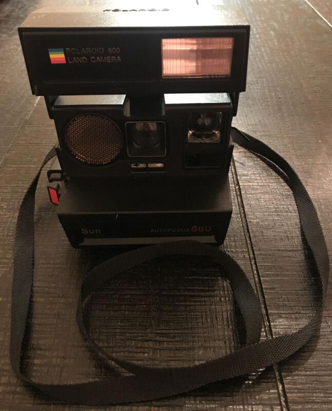 Vintage Original Polaroid Sun 660 Autofocus Instant 600 Film Camera