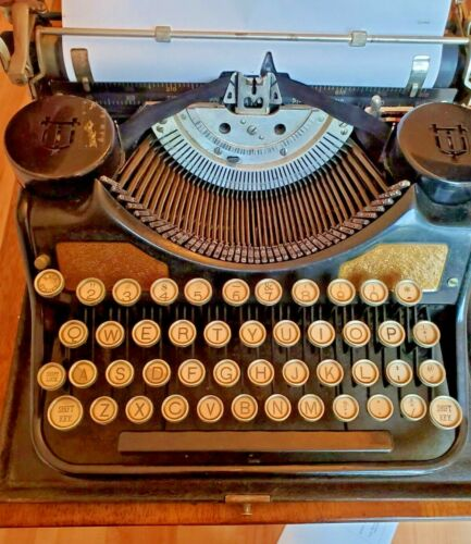 Antique Underwood Portable Typewriter 1932
