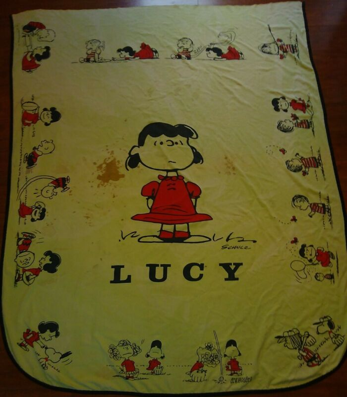 1969 Lucy Peanuts Cloth Blanket Charlie Brown United Feature Syndicate Schulz