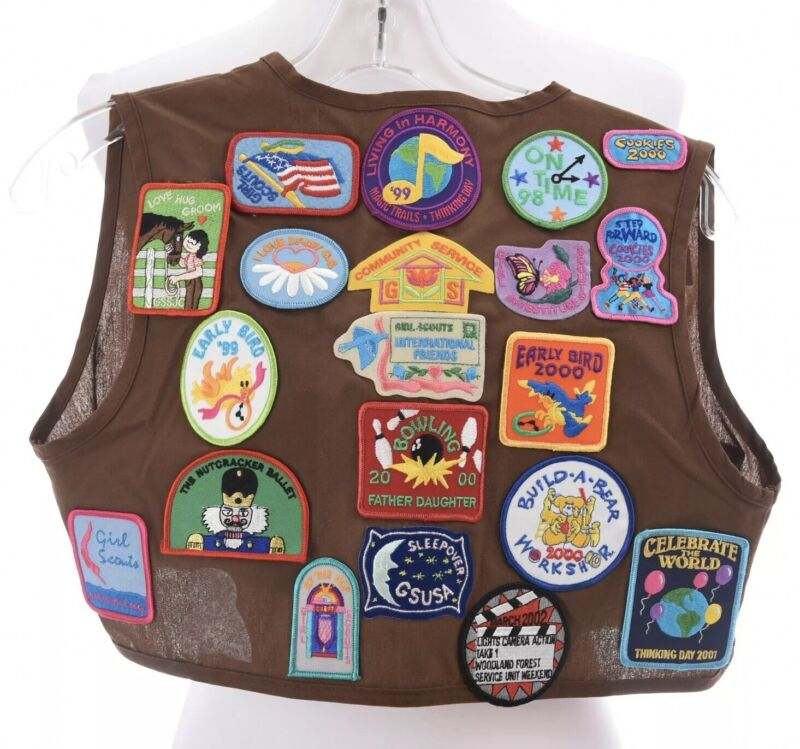 Vtg 90s Girl Scout USA Brownie Vest Lots of Patches Pins Brown Youth Sz Medium