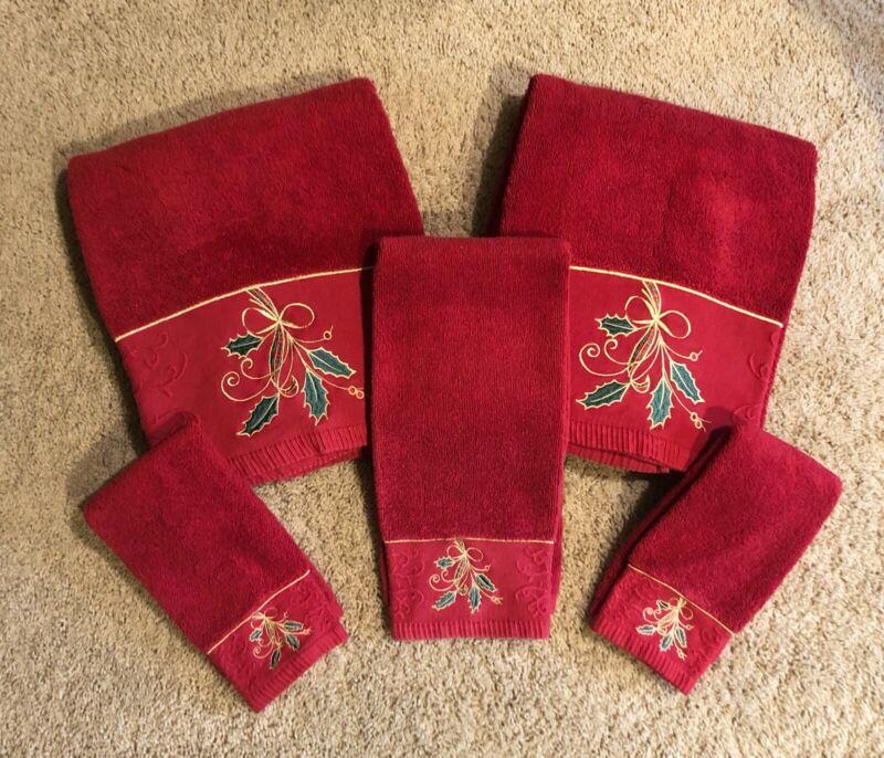 Set of 5 LENOX Red Holiday Nouveau Towels 2 Bath 2 fingertip 1 hand towel