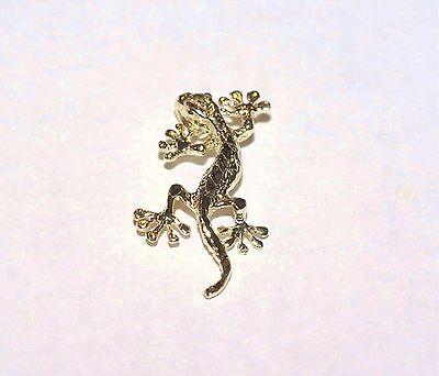 14k Yellow Gold Gecko (12mm Hawaiian Solid 14k Yellow Gold Textured Diamond-Cut DC Gecko Lizard Pendant )