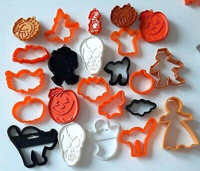 Vtg Halloween Cookie Cutters Lot Hallmart-Wilson, Witch, Skull, Cat, Pumpkin, +