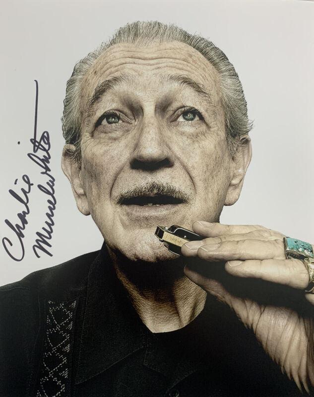 CHARLIE MUSSELWHITE SIGNED 8x10 PHOTO BLUES HARMONICA SINGER RARE AUTHENTIC