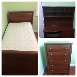 Twin Solid Wood Bedroom Set: Bed, Dresser and Desk